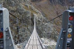 Nur für Schwindelfreie - die Triftbrücke