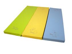 Aire d'évolution figurative Sarneige. Matelas mousse vert jaune et bleu de qualité à acheter pas cher. Aire d'évolution figurative pour enfants de qualité de marque Sarneige.