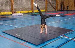 Aire d'évolution de gymnastique en mousse Sarneige à acheter pas cher. Aire d'évolution de gym Sarneige de qualité pour enfants.