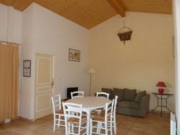 location maison 3 pièces pour 5 personnes avec piscine Montayral, location vacances Lot-et-Garonne; maison  piscine Lot