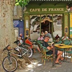 Hier ist es das Café de France
