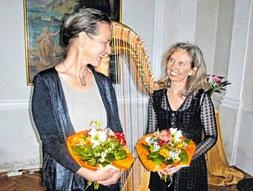 Sabine Beese (l.) und Ingeborg Weber brachten ihre »Träumereien« auf Schloss Fürstenstein. (Foto: Meister)