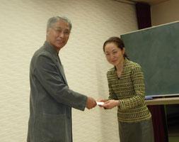 新師範・日高桃子さん(右)と小西睦子さん(写真は省略)
