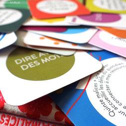 cartes colorées et joyeuses du sac à malices (CNV)