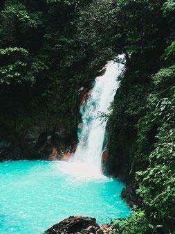 Wasserfall am Rio Celeste, Costa Rica.