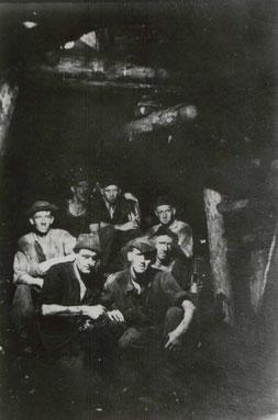 1939 Bergleute beim Abbau im 17. Horizont