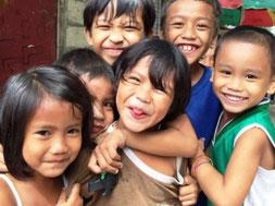 貧しくてもフィリピン人の子どもは笑顔いっぱい