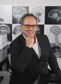 Andreas Köhler, Psycholinguist, Leiter von ib Personality Coaching NRW und Gründer von ib Agentur für angewandte Wahrnehmungs-, Kommunikations- und Wirtschaftspsychologie in Solingen