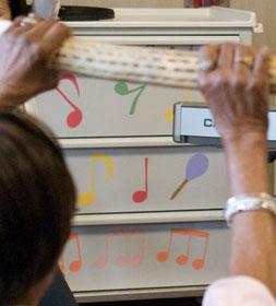 *例:施設内で不要となった物を再利用した楽器運搬用カート