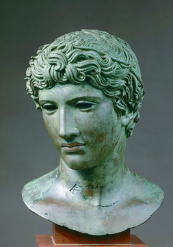 Busto di efebo (Testa di Benevento) 50 a.C. circa bronzo, rame cm 33 x 23 x 20 Parigi, Musée du Louvre