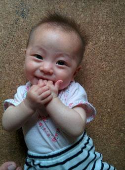 陶芸家 ブログ 茨城県笠間市 陶芸作品 手形 赤ちゃん 陶板  足形 お祝い 記念