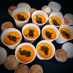 Soupe de potimarron, graines de courges, muffin fromage et graines