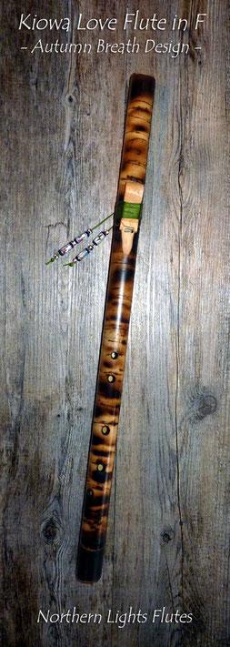 Kiowa Love Flute in F - Autumn Breath Design - von Northern Lights Flutes