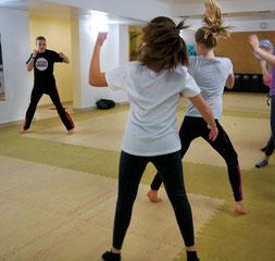 Kickboxen und Sportkarate für Jugendliche ab 13 Jahren in der TOWASAN Karate Schule Muenchen