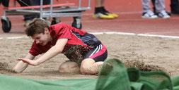 Drei Versuche reichen völlig: Lucas Schuhen gewinnt