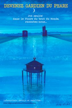 affiche bleu del'associaion représentant le phareavec au loin dans un paysage imaginaire les tours de La Rochelle