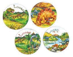 Namensaufkleber mit urzeitlicher Landschaft und vielen Dinos - liebevoll handgemaltes Motiv