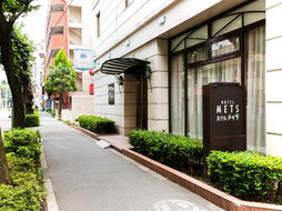 ホテルメッツ久米川の入口