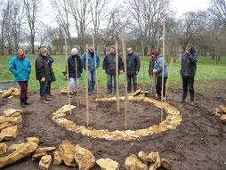 Jardin Keyhole et construction murs pierres séches - association Terres à Vivre
