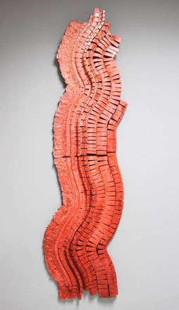Columna vertebral del arte / Mixed media on wood / 89 x 19.7 inches.