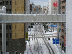 三越の交差点も大雪で大変!