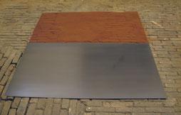 Matthieu van Riel. Vloerobject. Z.T. 120x160x0,2cm pigment en metaalplaat 1987