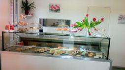 Venez découvrir notre gamme de pâtisseries françaises et orientales