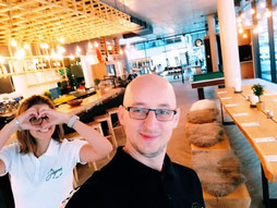 Im Luis Diner legen wir besonderen Wert auf freundlichen Service und Zusammenarbeit im Team.