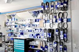 In unserem Laden in Maasholm erhalten sie viele Ersatzteile für ihren Innenboarder.