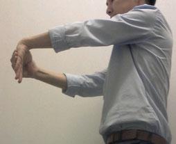 奈良県香芝市の頸椎椎間板ヘルニアの男性