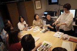 千代田さんによる写真表現講座、皆さん真剣です