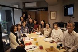 写真キャプション講座の中川さんとみなさん