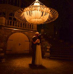 tanzendes Brautpaar - Hochzeitsreportagen mit Hochzeitsfotograf Dirk Brzoska aus Leipzig Fotograf Dirk Brzoska aus Leipzig www.dirk-brzoska.de
