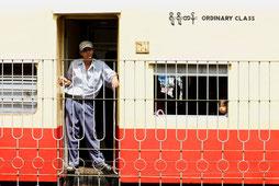 Zug in Yangon