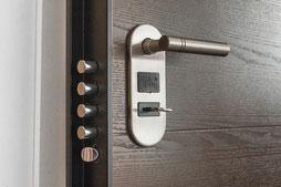 Buitengesloten | sleutels veranderen | sloten vervangen | sloten monteren | inbraak |Dringend hulp nodig|Leveren en monteren van cilinder sluitsysteem