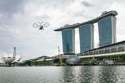 MAG Lifestyle Magazin Reisen Volocopter Flugtaxi fliegt über Singapur Volocopter, der Pionier für Urban Air Mobility