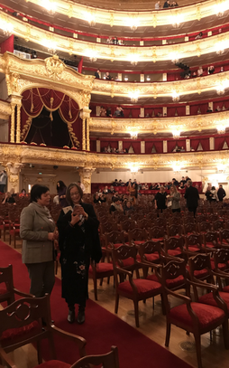 Picture of Prof. Vera Zabotkina and Prof. Yan Bao in the Bolshoi Theater