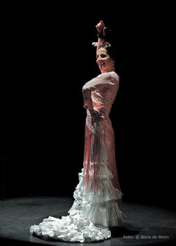 "Mercedes Ruíz en ""Déjame que te baile"" im tanzhaus nrw 2016/Foto by Boris de Bonn"