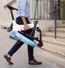 Die verschiedenen Modelle von Falt- oder Kompakt e-Bikes können Sie sich im Shop in Schleswig