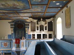 Orgelprospekt mit ausgebauten Pfeifen