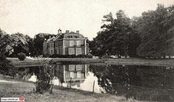 Le château du domaine de la Cour Roland.