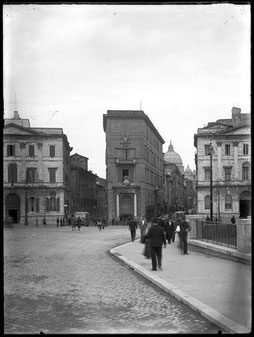 Umberto Sciamanna (1891-1963). Piazza Pia, Palazzo Sauve e i Palazzi progettati dall'arch. Luigi Poletti. 1930. Da negativo su lastra in vetro. Roma, Museo di Roma (inv. XC 6190)