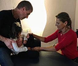 Sylvia Leiner Shordike und Daniel Lerch-Holz mit einem Kind - Supervision Marbella Spanien