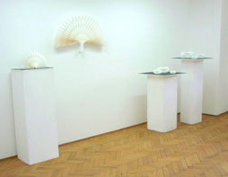 PAPIER-art ART-papier, Kunstobjekte aus Papier, einzelnen Papierschichten, Harald Metzler, Mattsee, Österreich