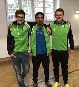 Sichetlich zufrieden mit den Ergebnissen: Simon, Yossief und Felix