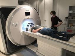 Untersuchungen im MRT des Uniklinikums Freiburg