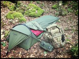 bivouac solitaire avec la tente stratosphère