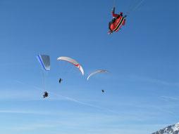 Mit dem Gleitschirm bei einem Thermikflug im Winter in Werfenweng bei Salzburg, Startberg Bischling