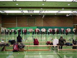 45 Bogensportler trafen im Wettkampf in der Kanthalle aufeinander