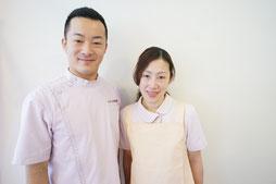 院長 横川賢一   受付助手 横川奈穂